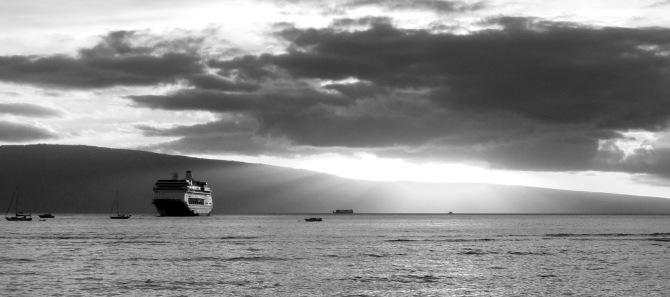 maui cruise boat